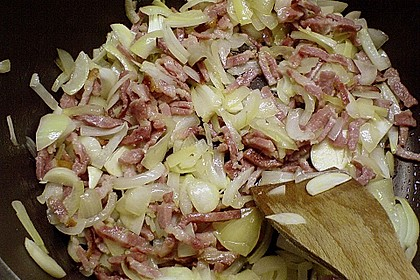Kohlsuppe mit Bohnen