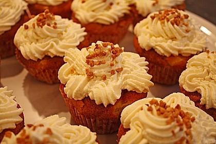 Apfel - Marzipan - Cupcakes mit Zimtsahne 3