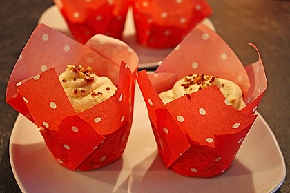 Apfel - Marzipan - Cupcakes mit Zimtsahne 4