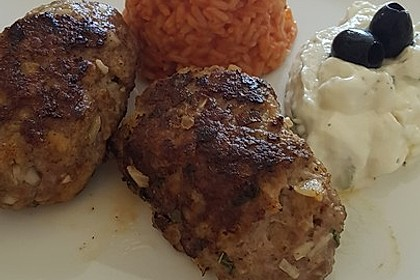 Bifteki mit Schafskäse 10