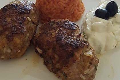 Bifteki mit Schafskäse 7