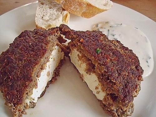 bifteki mit schafskäse rezept mit bild von fidopf chefkoch de