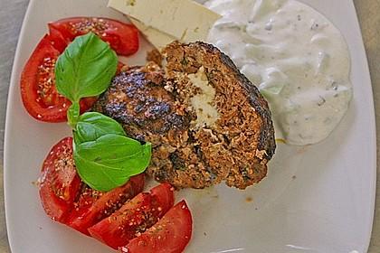 Bifteki mit Schafskäse 4
