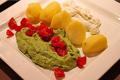 Avocado - Salsa an Pellkartoffeln
