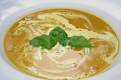 Kürbissuppe mit Zimt und Chili