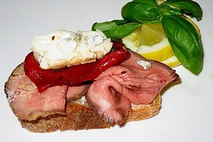 Mini - Sandwiches mit Lachs, Putenbrust und Roastbeef 1