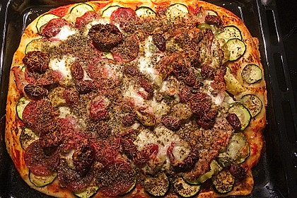 Marinas Pizzateig mit Backpulver 16