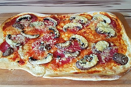 Marinas Pizzateig mit Backpulver 1