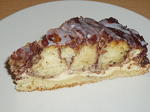 Cinnamon Roll Cheesecake 23