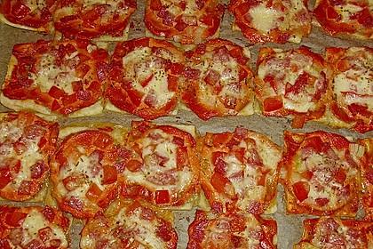 Kleine Blätterteig - Pizzen 28