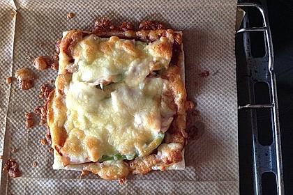 Kleine Blätterteig - Pizzen 37