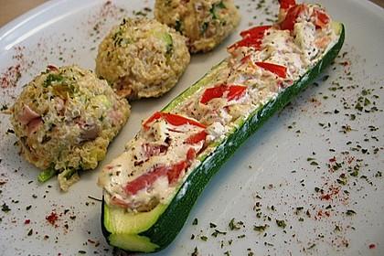 Gefüllte Zucchini mit Kräuterfrischkäse