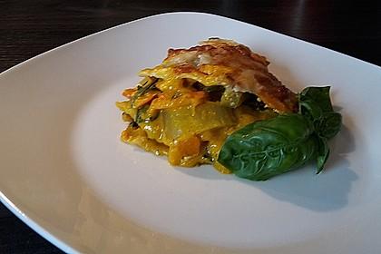 Vegetarische Kürbis-Mangold-Lasagne