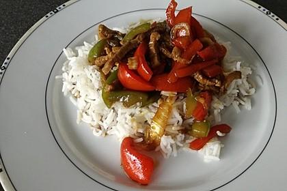 Chinesisches Rindfleisch mit Zwiebeln und Paprika 3