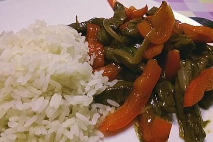 Chinesisches Rindfleisch mit Zwiebeln und Paprika 1