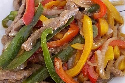 Chinesisches Rindfleisch mit Zwiebeln und Paprika 14