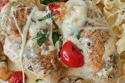 Mozzarella - Hähnchen in Basilikum - Sahnesauce 107
