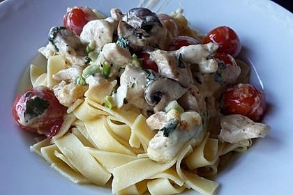 Mozzarella - Hähnchen in Basilikum - Sahnesauce 106