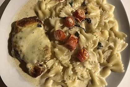 Mozzarella - Hähnchen in Basilikum - Sahnesauce 351