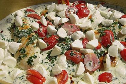 Mozzarella - Hähnchen in Basilikum - Sahnesauce 197