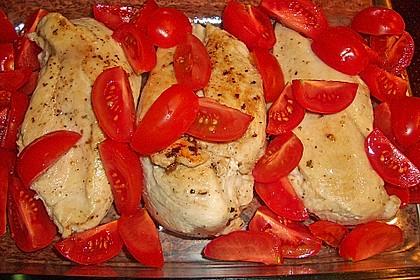Mozzarella - Hähnchen in Basilikum - Sahnesauce 240