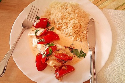 Mozzarella - Hähnchen in Basilikum - Sahnesauce 109