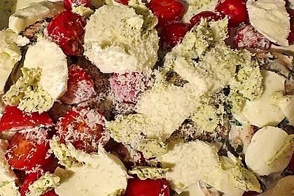 Mozzarella - Hähnchen in Basilikum - Sahnesauce 322