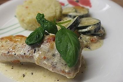 Mozzarella - Hähnchen in Basilikum - Sahnesauce 143