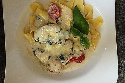 Mozzarella - Hähnchen in Basilikum - Sahnesauce 92