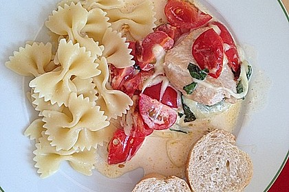 Mozzarella - Hähnchen in Basilikum - Sahnesauce 61