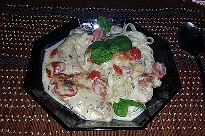 Mozzarella - Hähnchen in Basilikum - Sahnesauce 124