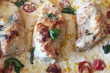 Mozzarella - Hähnchen in Basilikum - Sahnesauce 283