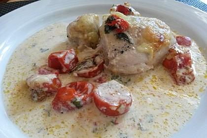 Mozzarella - Hähnchen in Basilikum - Sahnesauce 235