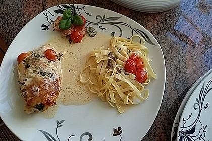 Mozzarella - Hähnchen in Basilikum - Sahnesauce 70