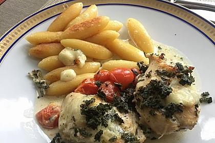 Mozzarella - Hähnchen in Basilikum - Sahnesauce 133