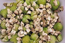 Überbackener Rosenkohl mit mariniertem Tofu