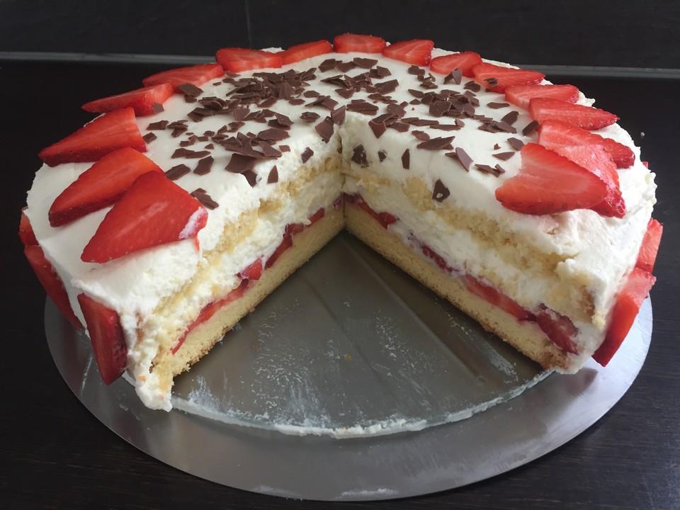 Kuchen mit mascarpone und früchten