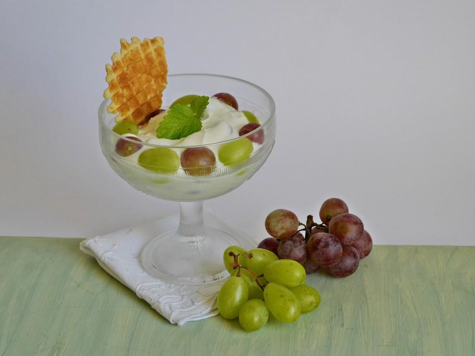 quark joghurt trauben dessert von alexandradugas. Black Bedroom Furniture Sets. Home Design Ideas
