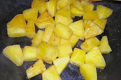Süßkartoffelcurry mit karamellisierter Ananas 23