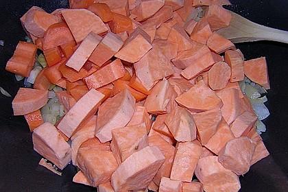 Süßkartoffelcurry mit karamellisierter Ananas 21
