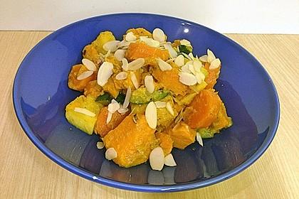Süßkartoffelcurry mit karamellisierter Ananas 15