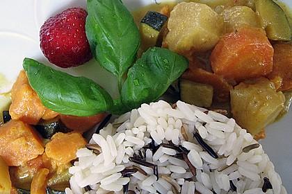 Süßkartoffelcurry mit karamellisierter Ananas 4