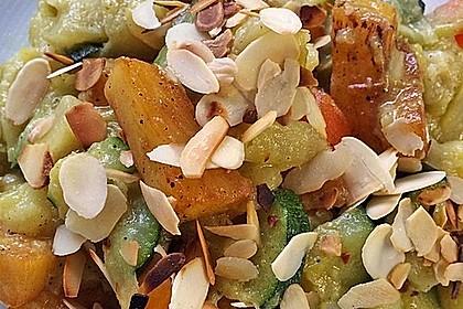 Süßkartoffelcurry mit karamellisierter Ananas 10