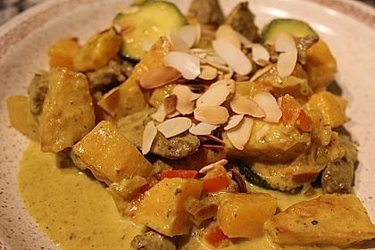 Süßkartoffelcurry mit karamellisierter Ananas 2