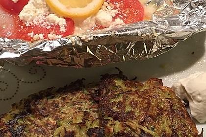 Feine Zucchini - Kartoffelpuffer mit Nüssen und Senf - Dip 19