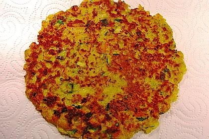 Feine Zucchini - Kartoffelpuffer mit Nüssen und Senf - Dip 5