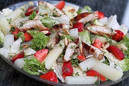 Spargel - Erdbeer - Salat mit Hähnchenbrustfilet 1