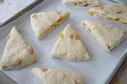 Scones mit Aprikosen und Frischkäse 6