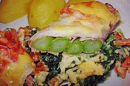 Spargel überbacken, mit Tomate und Spinat 8