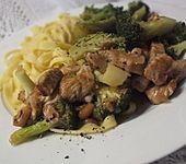 Chinesische Hähnchenbrust mit Brokkoli (Bild)